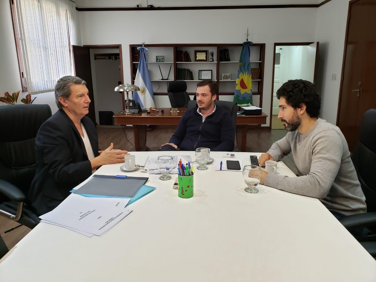 EL DR. RUBEN PORTO Y EL CONCEJAL PABLO ALANIZ SE REUNIERON CON EL MINISTRO DE SALUD BONAERENSE